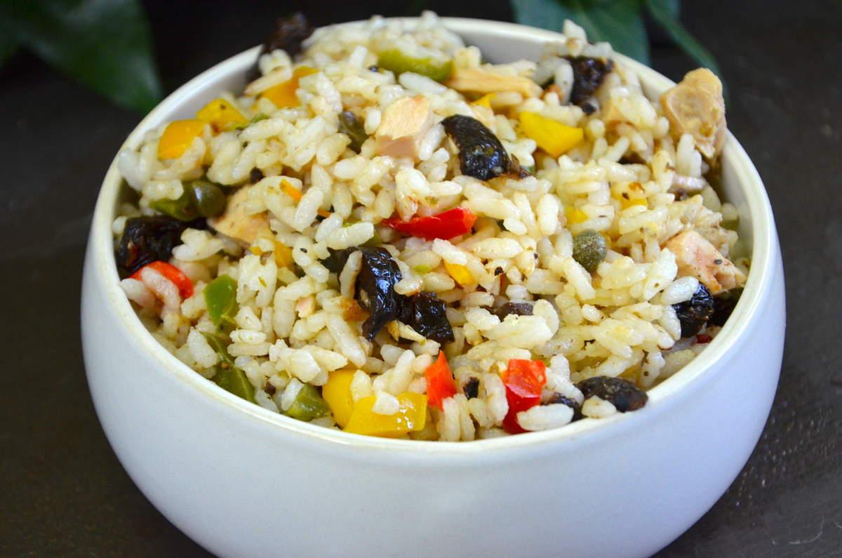 salade de riz d couvrez une recette savoureuse. Black Bedroom Furniture Sets. Home Design Ideas