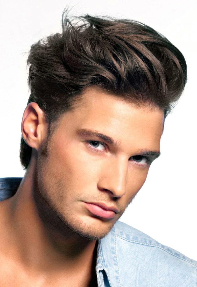 Se laisser pousser les cheveux chez un homme